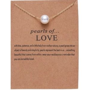 Jewelry - Pearl Gold Necklace in Gift Packaging